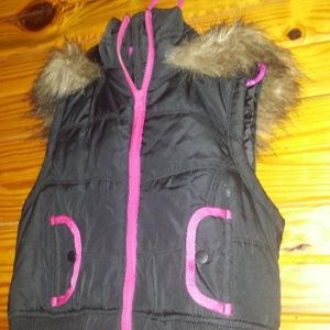 girls sleeveless jacket, black pink accent size 6